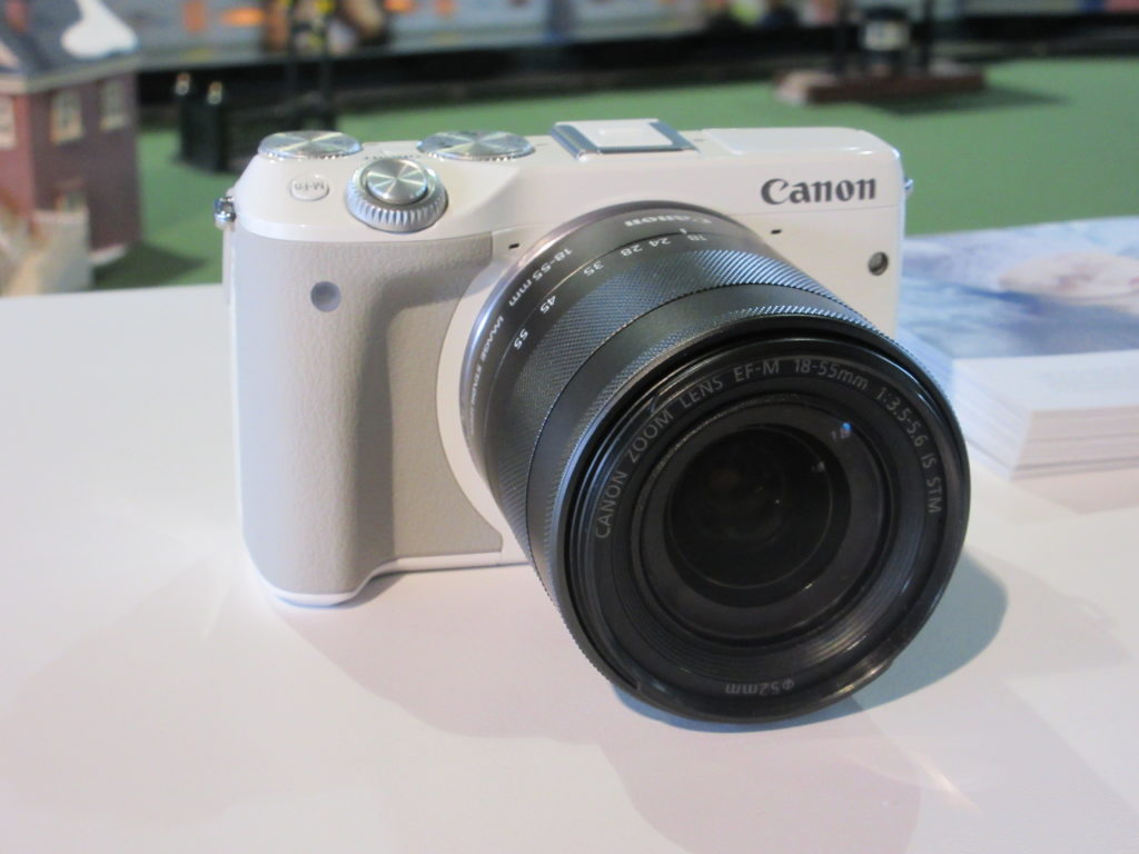 canon EOS M3 EF-M 18-55MM